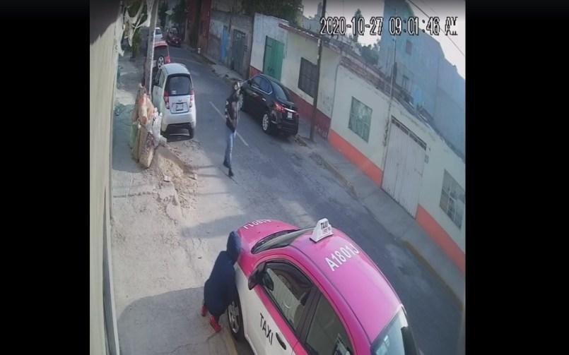 (Videos) Graban el modus operandi de ladrones de autopartes en el Estado de México