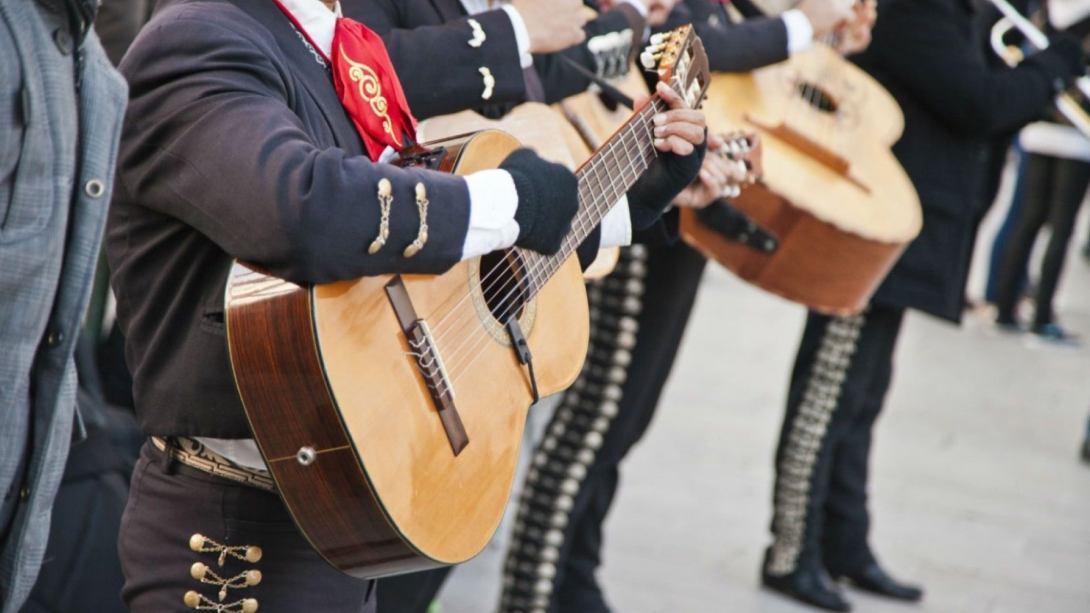 Conoce la hermosa canción que mariachis dedicaron a Toluca