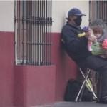 pareja-abuelitos-toluca-venta-lucha-covid