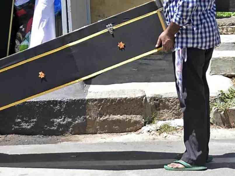 viral-con-cadaver-vecinos-intenta-cobrar-ahorros-en-banco-para-pagar-gastos-funerarios-160494