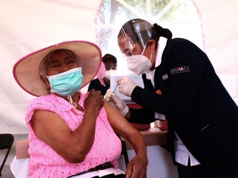 Más de 33 mil personas adultas mayores han recibido la primera dosis de la vacuna contra el COVID-19 en Ecatepec