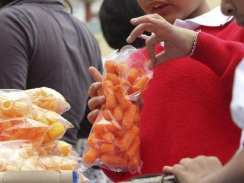 senado-queda-prohibida-venta-alimentos-chatarra-cerca-de-escuelas