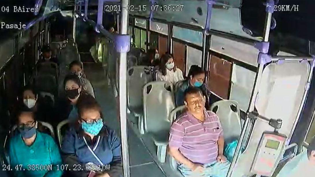 viral-hombre-ataca-a-su-pareja-en-transporte-publico-en-sinaloa-160494