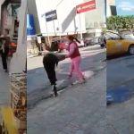 dos-mujeres-se-pelean-afuera-del-mercado-juarez-torreon