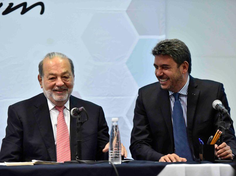 Tal es el caso de las becas que la fundación Carlos Slim les ofrece a los alumnos del Instituto Politécnico Nacional (IPN) y de igual modo a la comunidad de la Universidad Nacional Autónoma de México (UNAM).